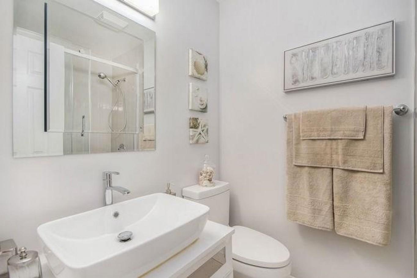 245 ECHO DRIVE #B, Ontario, Ontario K1S 1N, 4 Bedrooms Bedrooms, ,3 BathroomsBathrooms,Villa,For Sale,ECHO DRIVE #B,1010