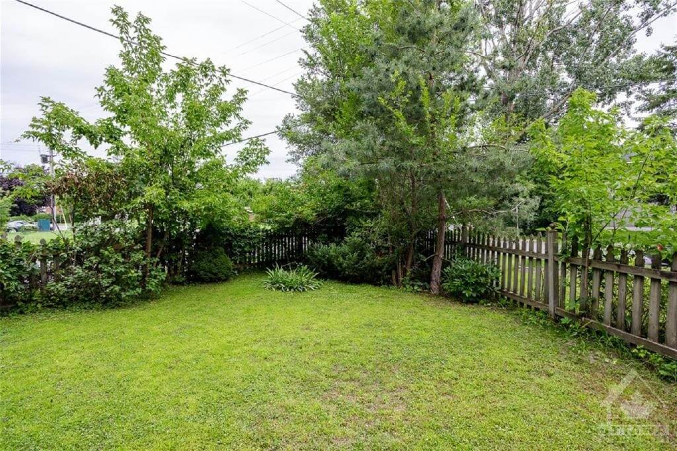 1284 Trenton Ave, Ottawa, Ontario K1Z 8K1, 2 Bedrooms Bedrooms, ,1 BathroomBathrooms,Villa,For Sale,Trenton Ave,1018