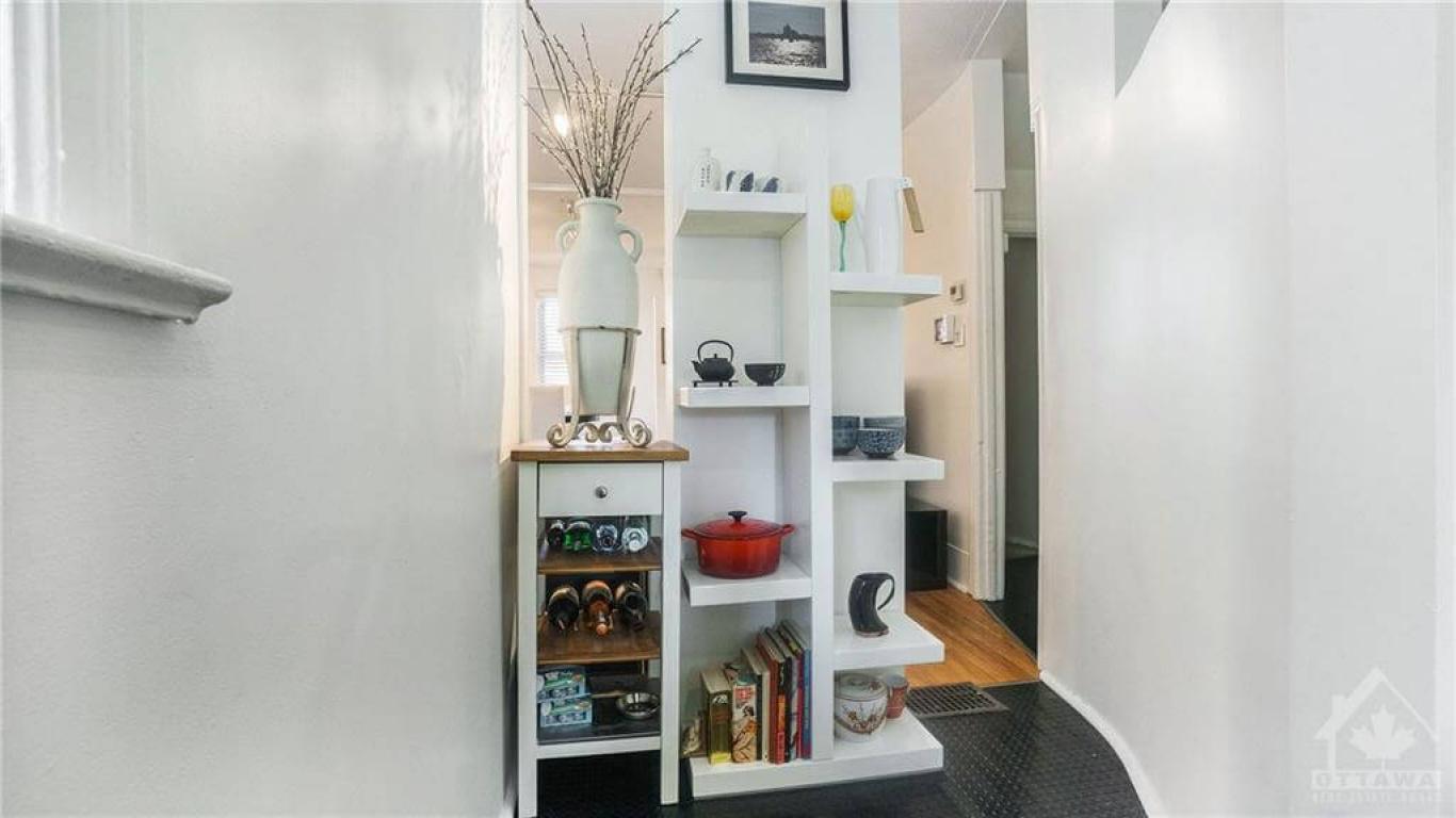 164 Preston St, Ottawa, Ontario K1R 7P7, 2 Bedrooms Bedrooms, ,1 BathroomBathrooms,Apartment,For Sale,Preston St,1021