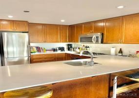 7 MARQUETTE AVENUE, Ontario, Ontario K1L 8A7, 1 Bedroom Bedrooms, ,1 BathroomBathrooms,Apartment,For Rent,MARQUETTE AVENUE,304,1022